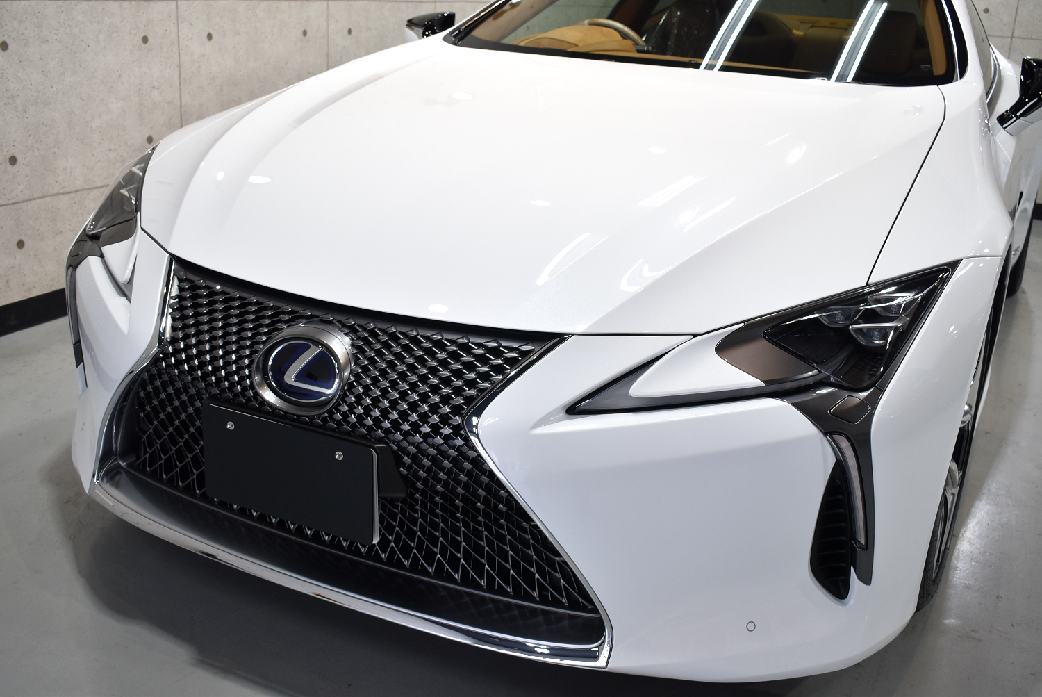 LC500h-11
