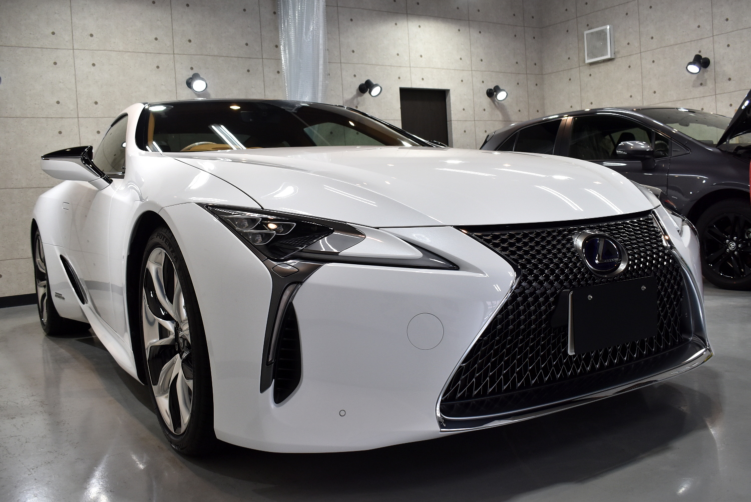 LC500h-14
