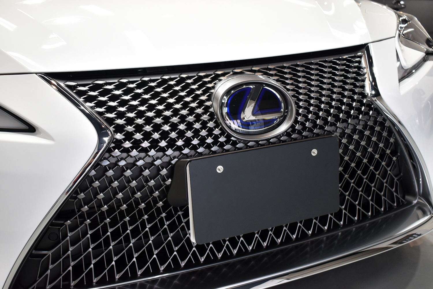 LC500h-15