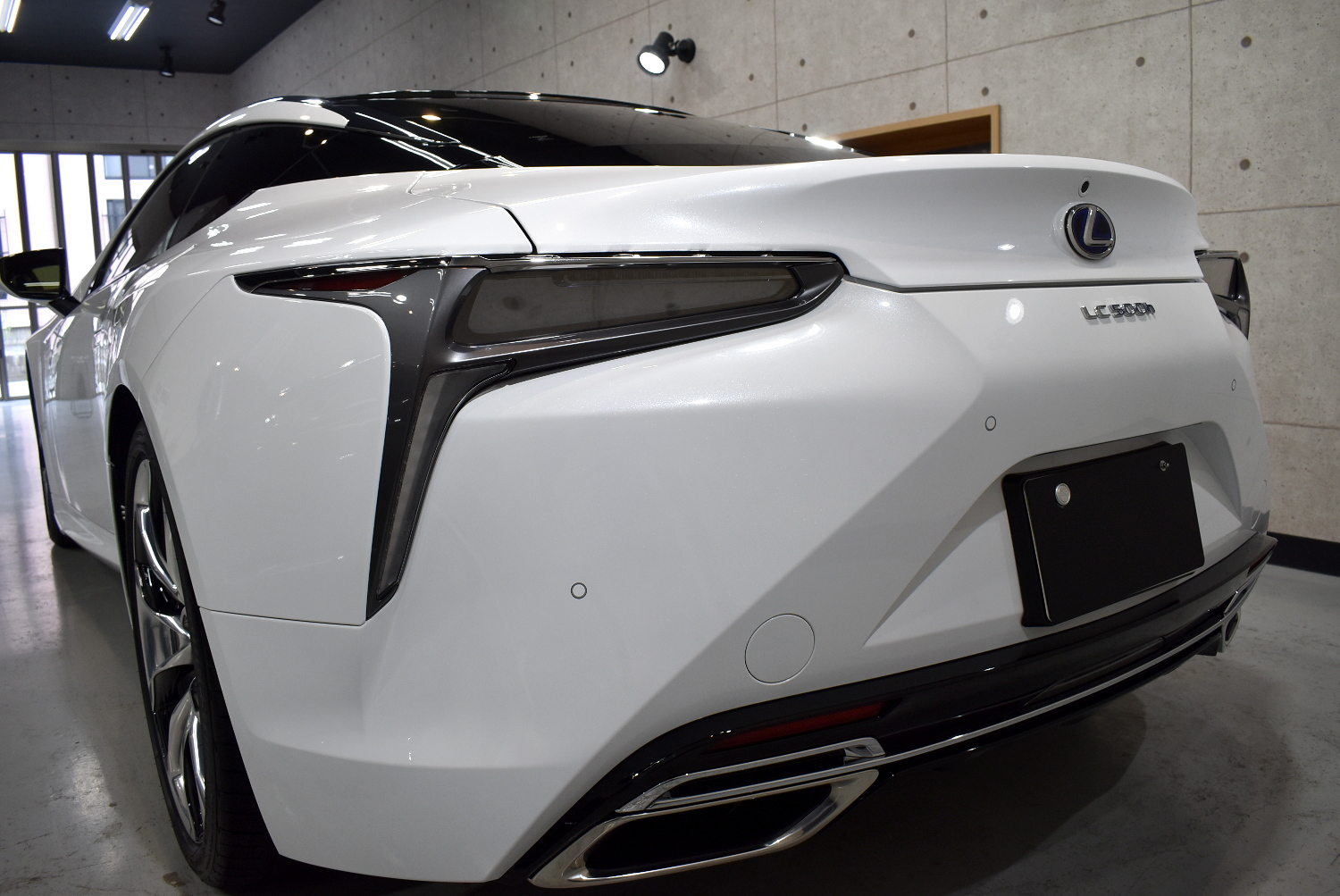 LC500h-21