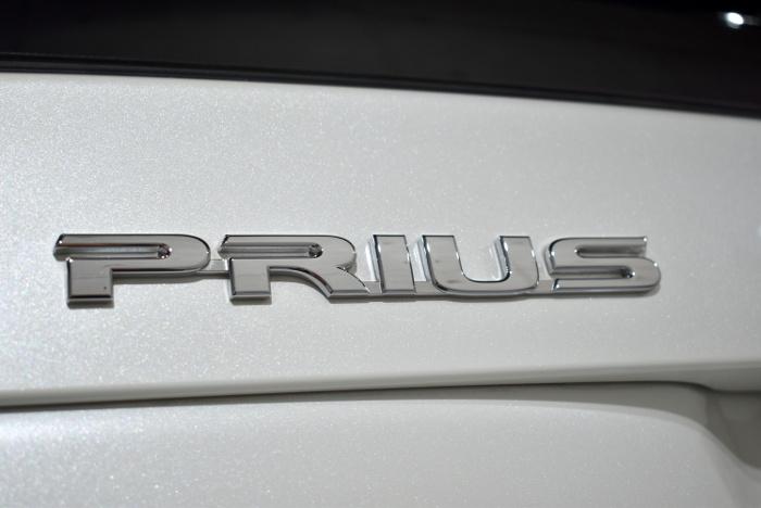 プリウス-7